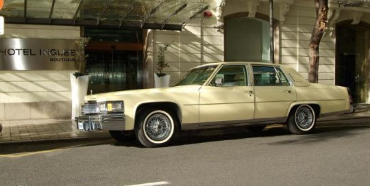 Coche alquiler Valencia Cadillac Fleetwood Brougham